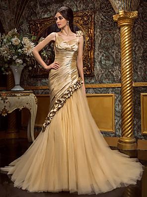 Lanting Bride Trumpet/Mermaid Petite / Plus Sizes Wedding Dress-Court Train V-neck Taffeta / Tulle