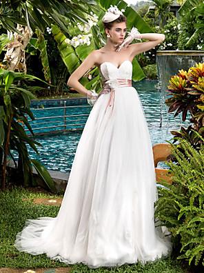 Lanting Bride® גזרת A קטן / מידה גדולה שמלת כלה - קלסי ונצחי / זוהר ודרמטיות קו תחתון פשוט שובל סוויפ \ בראש מחשוף לב תחרה / טול עם