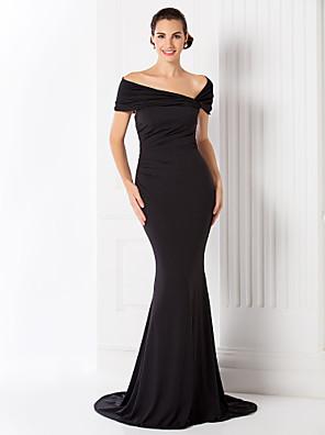 Evento Formal / Festa de Gala Black-Tie Vestido - Elegante / Inspiração Vintage Sereia Ombro a Ombro Cauda Escova Microfibra Jersey com