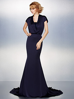Trumpet / Mermaid Plus Size / Petite Mother of the Bride Dress Court Train Short Sleeve Satin Chiffon with Sequins