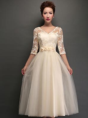 Tea-length Tulle Lace-up Bridesmaid Dress - A-line V-neck with Appliques / Lace