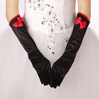 сучки в шелковых перчатках
