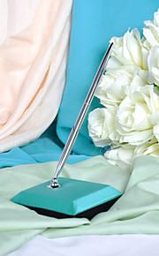 stylo bleu de mariage de paon réglé signe dans le livre