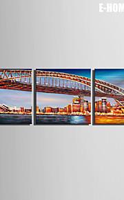 Landskap / Arkitektur Canvastryck Tre paneler Redo att hänga , Andra
