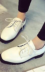 Черный / Белый-Женская обувь-Для прогулок / На каждый день-Дерматин-На платформе-Удобная обувь-Кроссовки