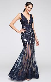2017 ts couture® formale abito da sera tromba / sirena con scollo a V piano di lunghezza tulle con applicazioni