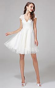 Trapèze Col en V Mi-long Dentelle Tulle Robe de mariée avec Billes Appliques par LAN TING BRIDE®