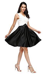 2017 ts couture® prom cocktailparty klä en linje V-ringad knälång stretch satin med fickor / korsmönstrad