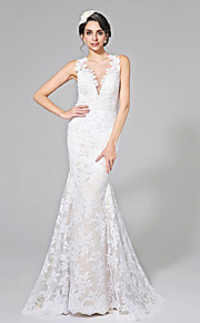 2017 Lanting Bride® Trumpet / Mermaid Wedding Dress - Chic & Modern See-Through Wedding Dresses Court Train Jewel Lace with Appliques / Button
