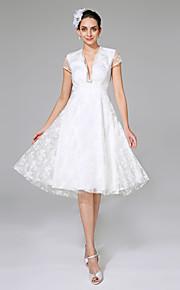 Trapèze Col en V Mi-long Dentelle Robe de mariée avec Dentelle par LAN TING BRIDE®