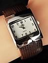 grande montre de mode de ceinture de magnifiques femmes