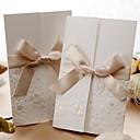 Non-personalizaton Tri preklopa Vjenčanje Pozivnice Pozivnice-50 Piece / Set Formalno Style / Classic Style / Flora Style Reljefni papir6